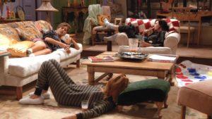coinquilini della serie tv Friends nel salotto