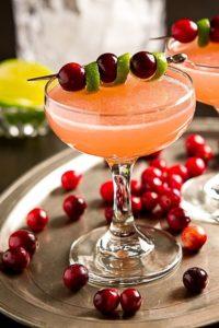 Cocktail di benvenuto per festa in appartamento